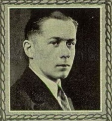 Leonard Eklund's senior picture from the 1927 Hematite