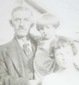 Arthur with 2 of his grandchildren in the early 1920s.
